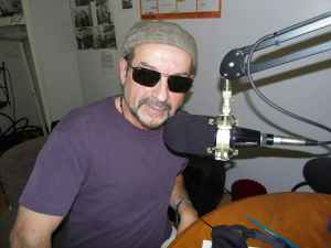 JOHN SUNGLASS RADIO
