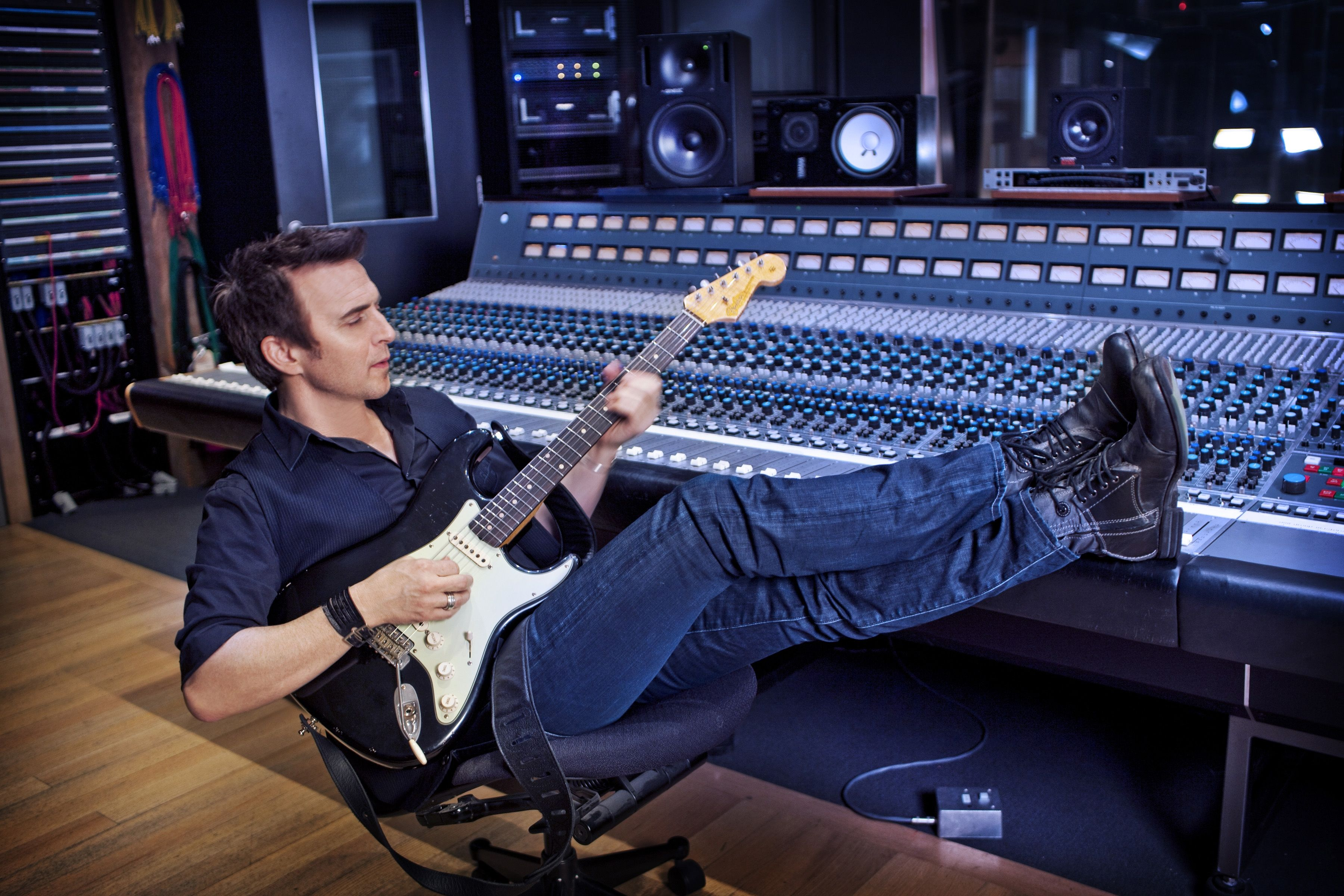 Colin James Fifteen Prime Rockin Roots Cd Review By