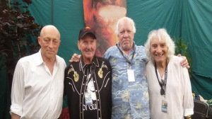 Guitar-Heroes-Photo-David-Wilcox-James-Burton-Amos-Garrett-Albert-Lee-by-Holger-Petersen